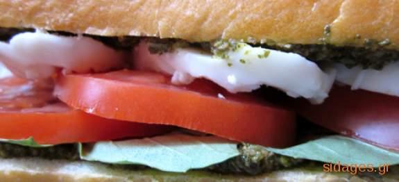 Σάντουιτς με ψημένο τυρί και πέστο - συνταγές μαγειρικής & ζαχαροπλαστικής