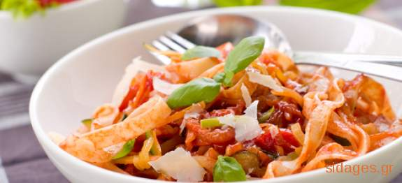 Ταλιατέλες σουφλέ με κόκκινη σάλτσα - συνταγές μαγερικής - www.sidages.gr