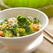 Σούπα με μπρόκολο και αντσούγιες - συνταγές μαγερικής - www.sidages.gr