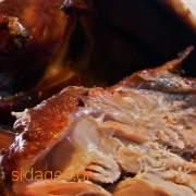 Γαλοπούλα γεμιστή με μανιτάρια και καρύδια