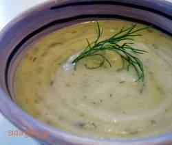 Σούπα με πράσο, φινόκιο και γιαούρτι