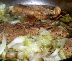 Χοιρινό με λάχανο