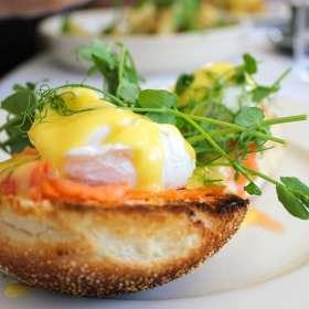 Αυγά Benedict