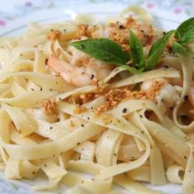 Ζυμαρικά ταλιατέλες με γαρίδες - συνταγές μαγερικής - www.sidages.gr