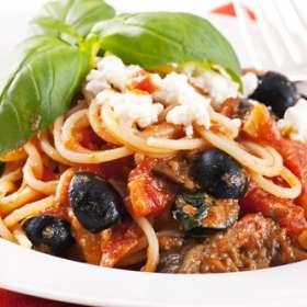 Σπαγγέτι με ελιές και πιπεριές - Sicilian pasσυνταγές μαγερικής - www.sidages.gr