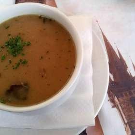 Σούπα τραχανά με μανιτάρια και προσούτο