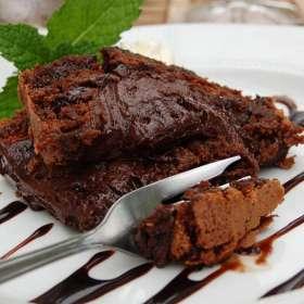 Υγρό κέικ σοκολάτας με καφέ