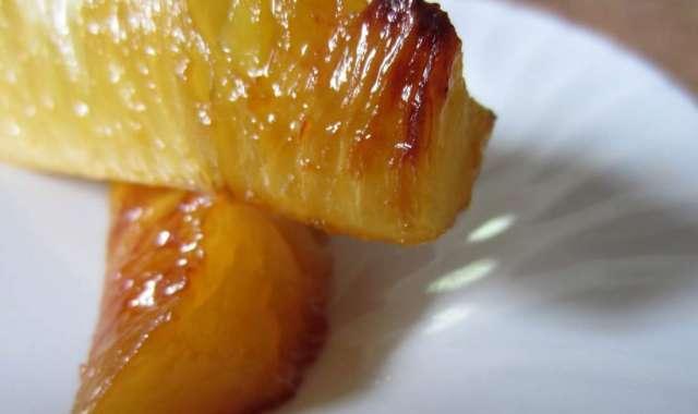 Ανανάς ψητός με μέλι - συνταγές ζαχαροπλαστικής - γλυκά