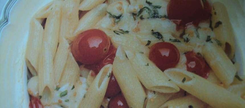Πένες με μίνι ντοματάκια και ημίσκληρο τυρί light - www.sidages.gr