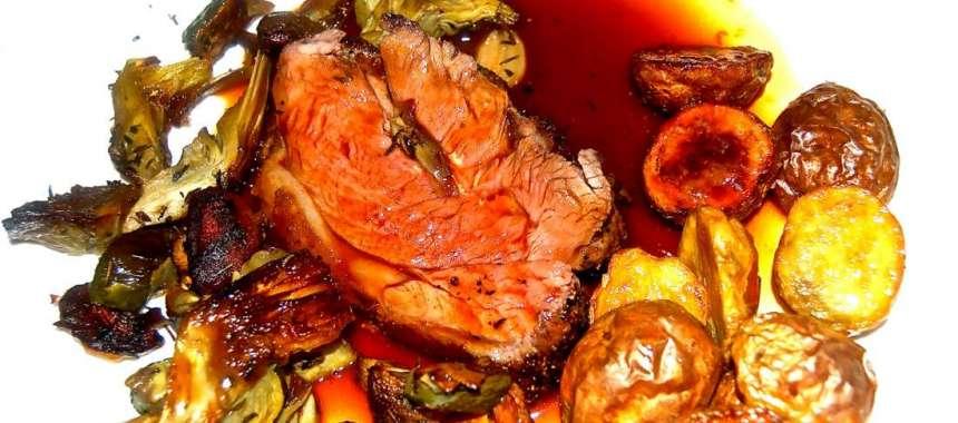 Αγκινάρες με κρέας αυγολέμονο