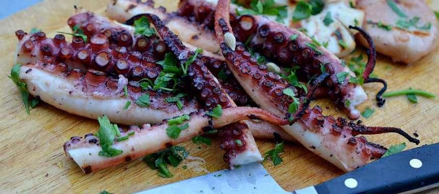 Χταπόδι στην λαδόκολα - συνταγές - θαλασσινά - νηστίσιμα